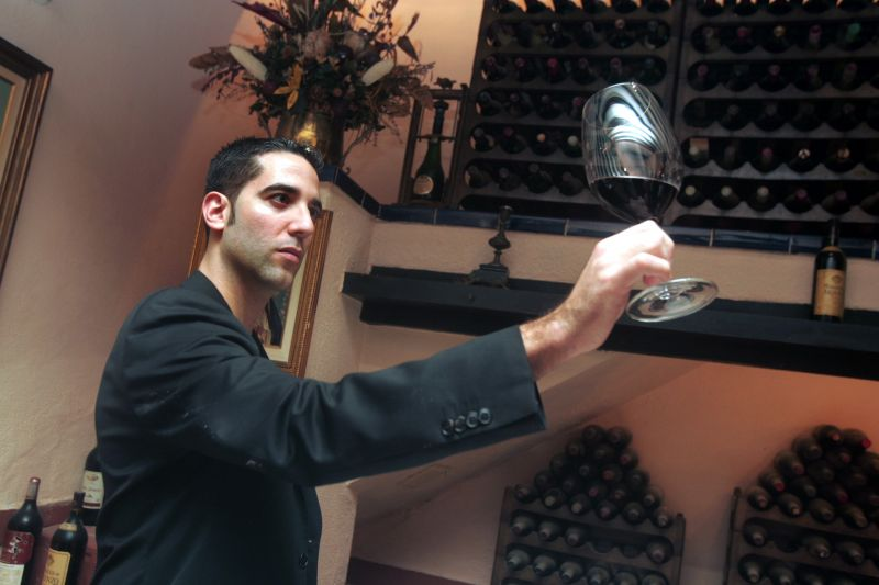 "Enjoy the moment in which our sommelier, Rafael Reyes, is proclaimed ""Best Sommelier of Spain 2011"
