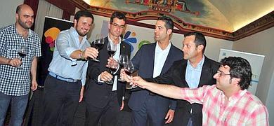 Chencho recibe un homenaje en Elche de la Denominacion de Origen Vinos de Alicante